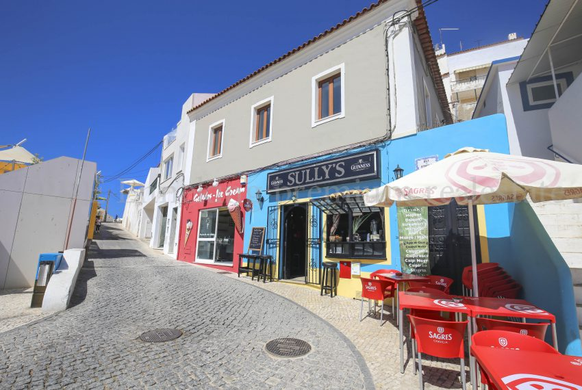 EPRE 32 Carvoeiro Luxury 4 bedroom Apartment few footsteps from the beach, amenities, shops