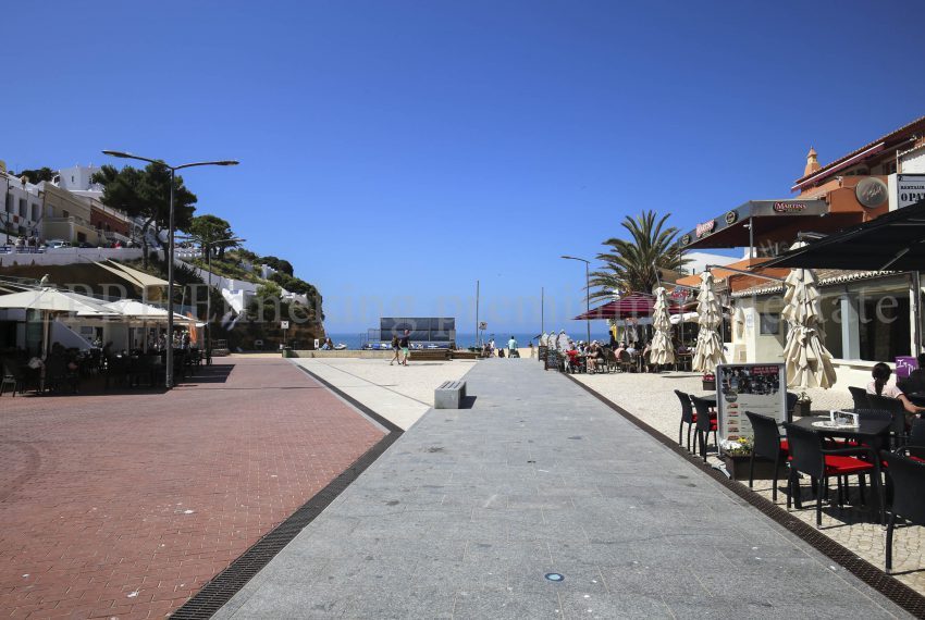 Carvoeiro Luxury 4 bedroom Apartment few footsteps from the beach, amenities, shops, for sale by Ennekingestate.com