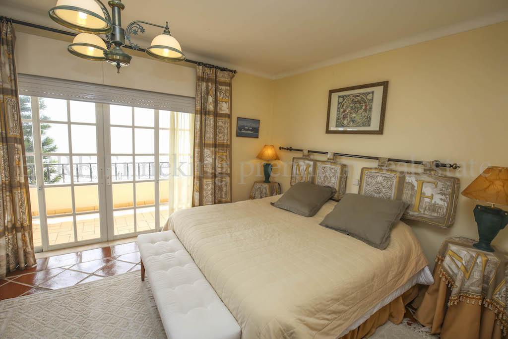Meerblick Ferragudo 4 Schlafzimmer Villa Algarve Portugal Zu Fuess Zum  Stranden Dorf TRAUMLAGE FERIENWOHUNG VERMIETUNG KAUFEN INVESTMENT  ANLAGE HAUS ...
