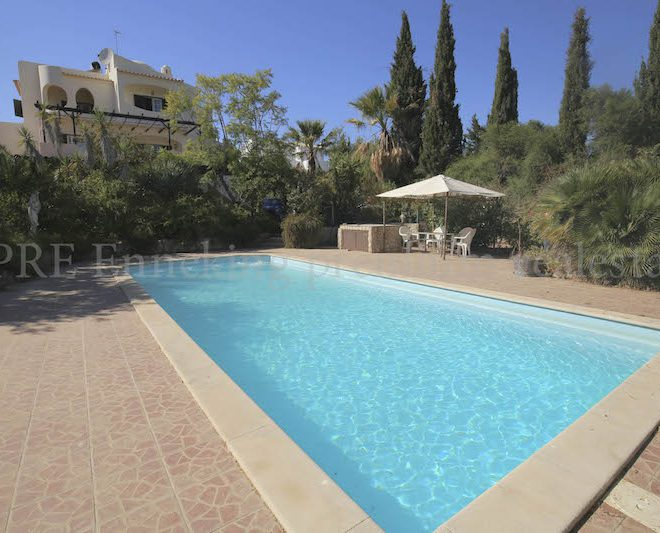 Pool Villa Vineyard Carvoeiro Algarve Portugal Enneking premium real estate