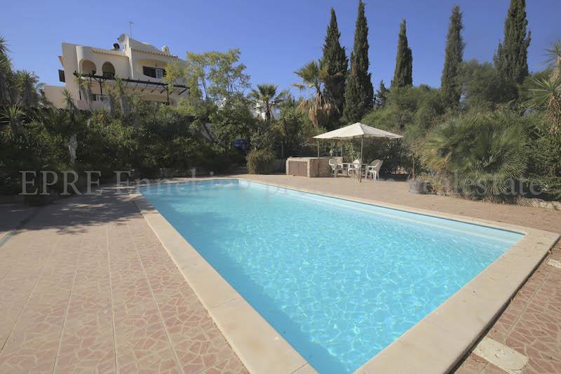 Pool Villa Vineyard Carvoeiro Algarve Portugal Enneking premium real estate