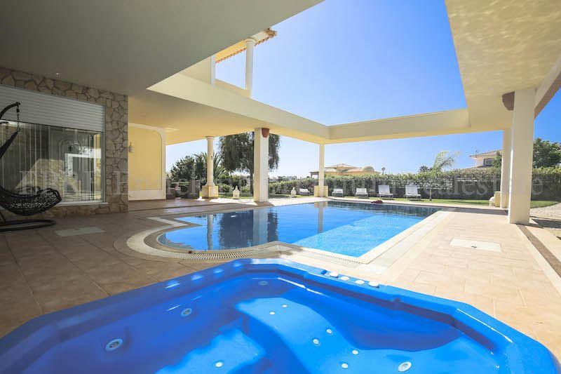 Luxus schlafzimmer mit meerblick  Meerblick 3 Schlafzimmer villa zu fuess zum Strand Ferragudo