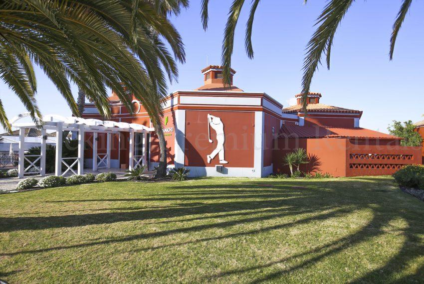 Golfcourse Carvoeiro 2 Bedroom villa for sale Algarve