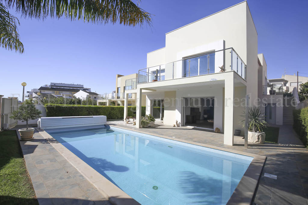 Luxus schlafzimmer mit pool  Alvor luxury 4 bedroom Villa seaviews pool garage Beach nearby