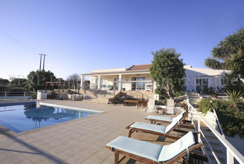3 Bedroom villa for sale Ferragudo Algarve Portugal