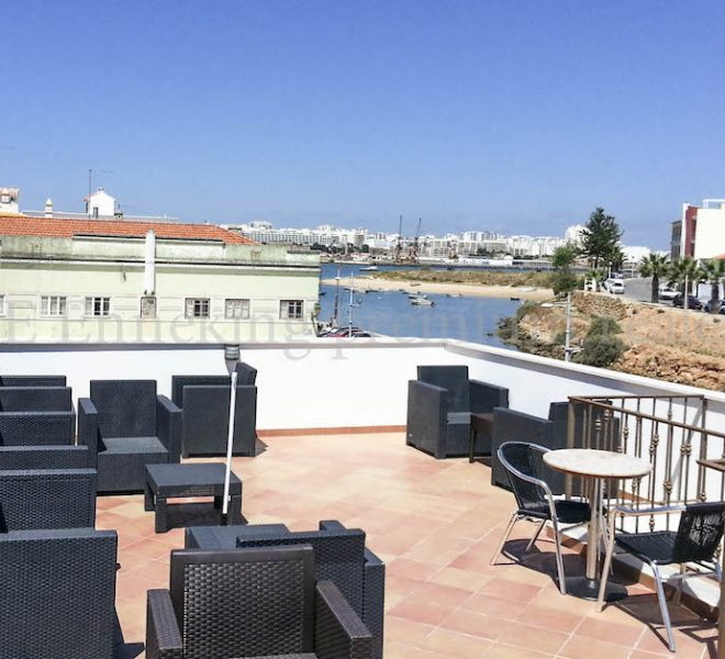 Sea view 2 bedroom apartment Algarve commercial property