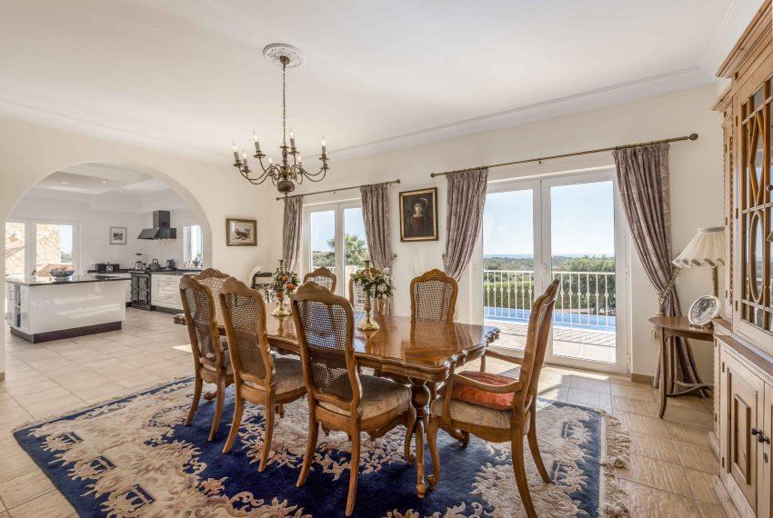 7bedroom mansion Porches dinning room 2