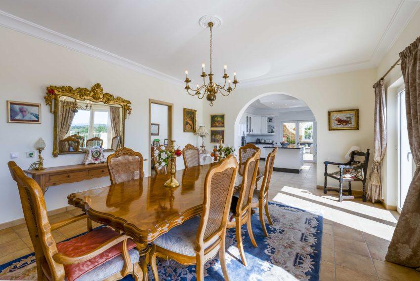7bedroom mansion Porches dinning room