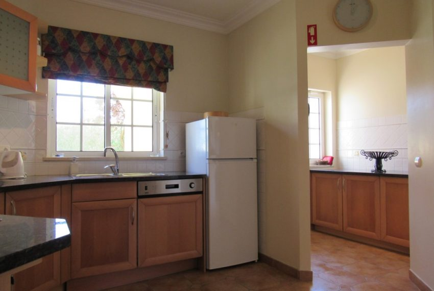 2 Bedroom Townhouse Privacy and comfort  Carvoeiro Algarve-kitchen-Enneking Real Estate