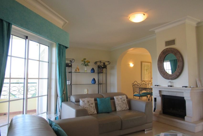 2 Bedroom Townhouse Privacy and comfort  Carvoeiro Algarve-living room-Enneking Real Estate