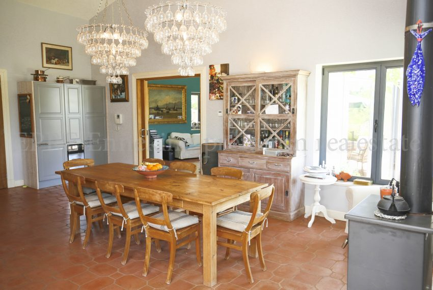 Biological Vineyard 6 Acres Farmhouse Silves Algarve-dinning room-Enneking real estate