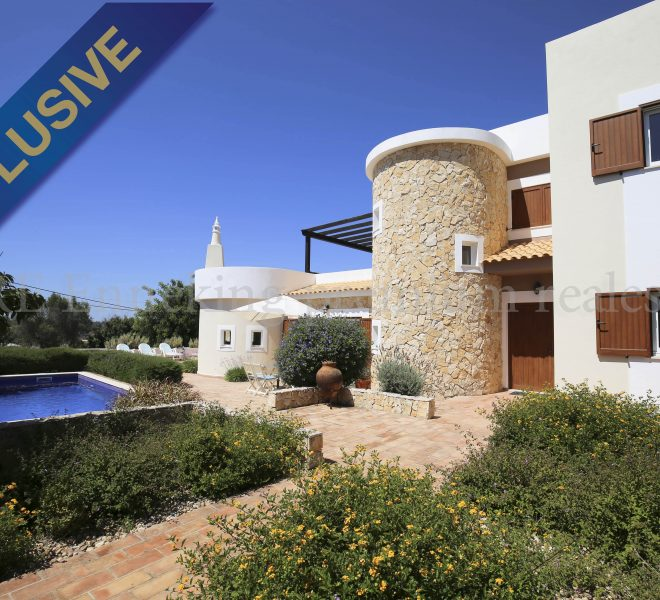 Luxury bright 5 Bedroom Villa in beautiful urbanisation