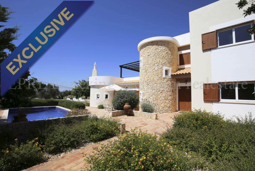 Luxury bright 5 Bedroom Villa in beautiful urbanisation