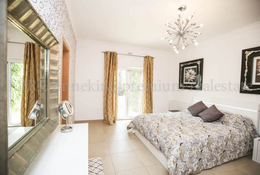 Extraordinary Luxury 4 Bedroom Villa Carvoeiro, bedroom, Enneking Real Estate