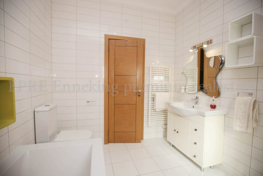 Extraordinary Luxury 4 Bedroom Villa Carvoeiro, bathroom, Enneking Real Estate