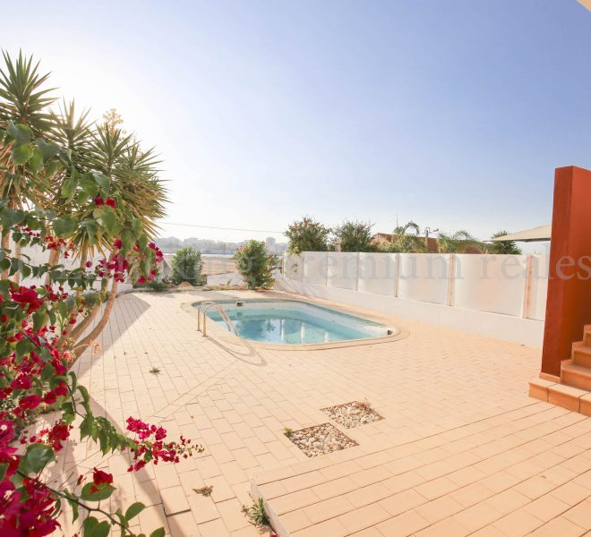 Townhouse With Private Pool Ferragudo, pool, Enneking Real Estate
