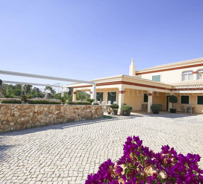 Luxury Villa Walking Distance Beach Ferragudo, house, Enneking Real Estate