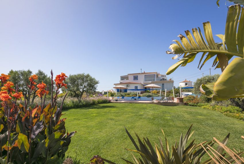 Unique 5 bedroom villa with windmill and sea views - garden