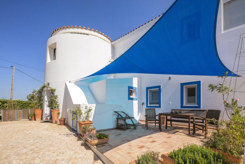 Unique 5 bedroom villa with windmill and sea views - terrace