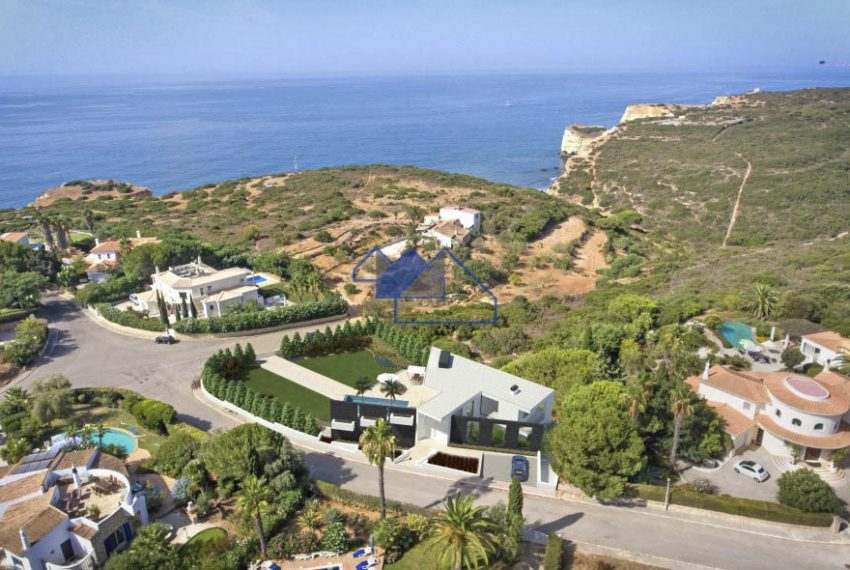 Outstanding 4 bedroom villa with seaview lateral overview