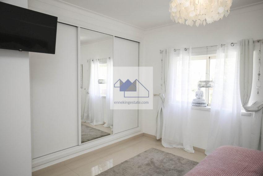 outstanding mastersuite bedroom