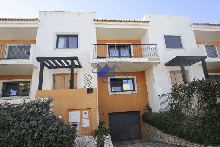Alvor,three bedroom, family house,communal pool,tenniscourt