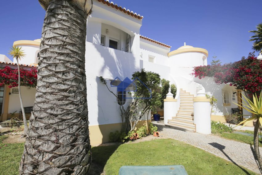 EPR5Two Bedroom towhouse Carvoeiro 23