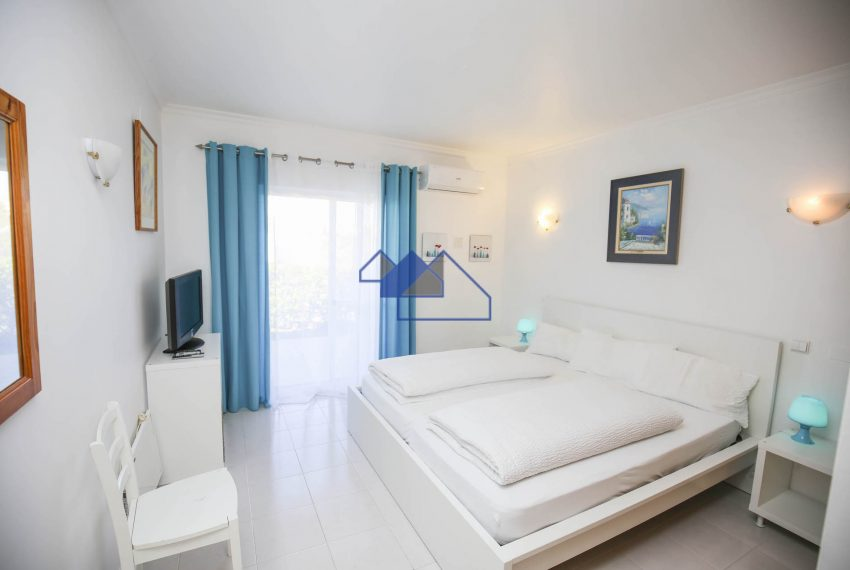 EPR5Two Bedroom towhouse Carvoeiro 7