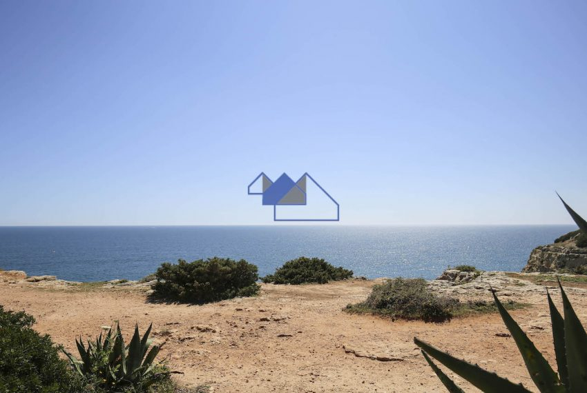 Ocean view three bedroom house carvoeiro