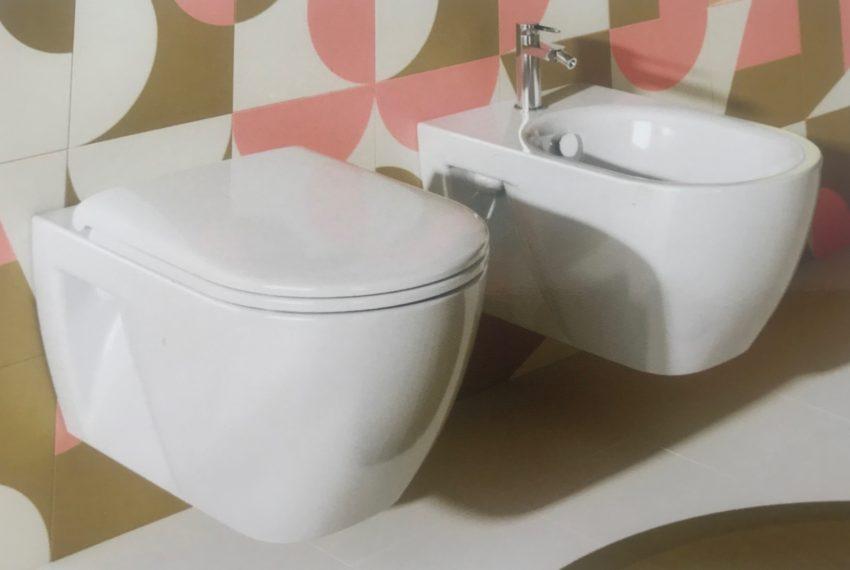 EPRE143 Luxury condo bathroom