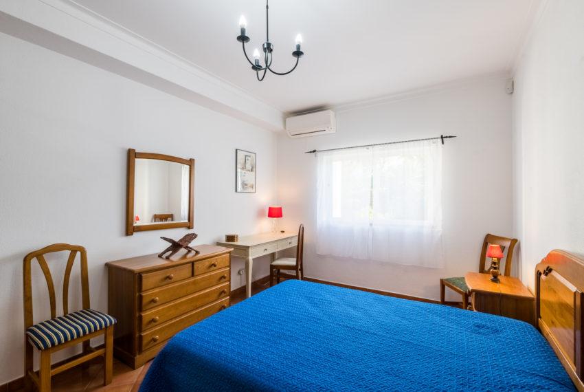4 bedroom semi-detached villa, pool, walking distance beach, Ferra