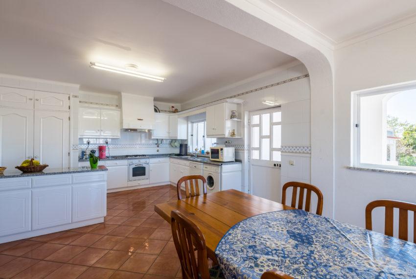 4 bed semi-detached villa,pool,walking distance beach, Ferragudo