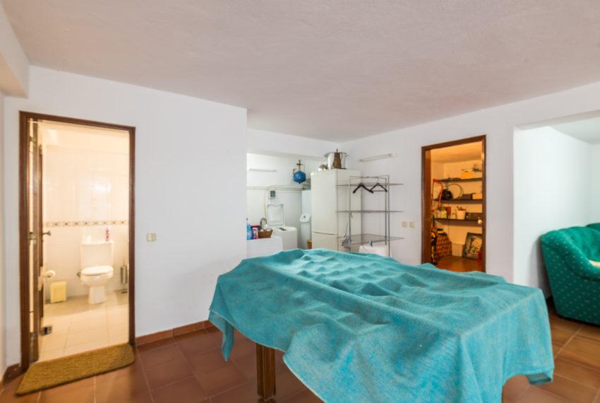 4 bedroom semi-detached villa, pool, walking distance beach, Ferragudo-50