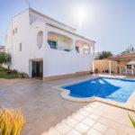 Traditionele semi-vrijstaande villa met 3 slaapkamers, zwembad, op loopafstand strand, Ferragudo.