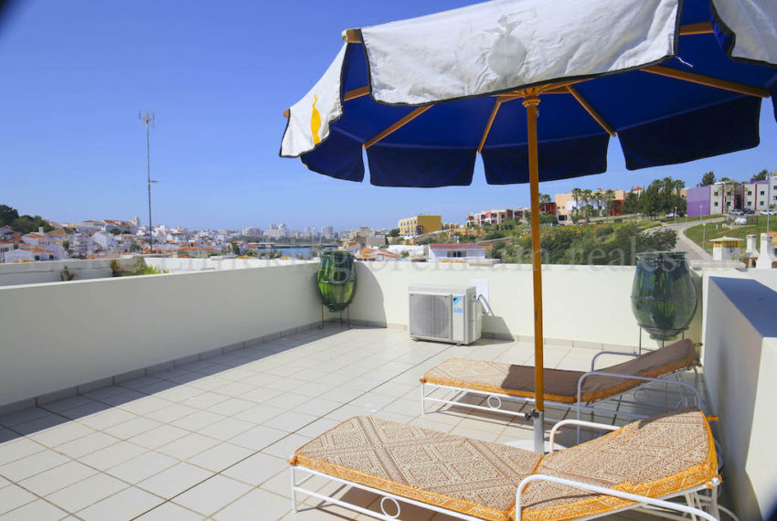 Private sunny roofterrace EPRE 50