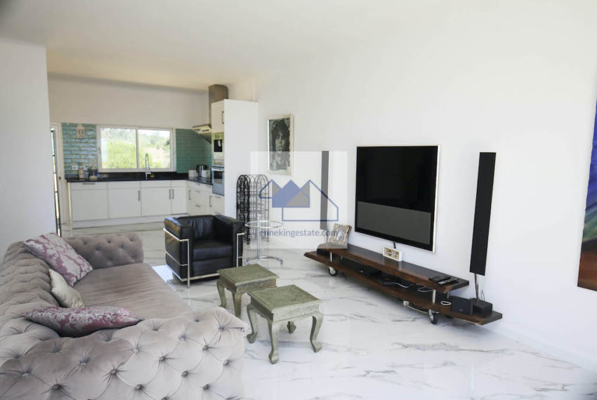 EPRE 155 living room space